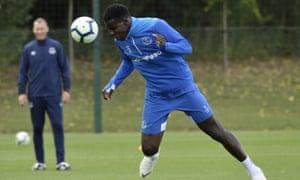 Kurt Zouma's season-long loan move to Everton does not give the Merseyside club the option to buy.