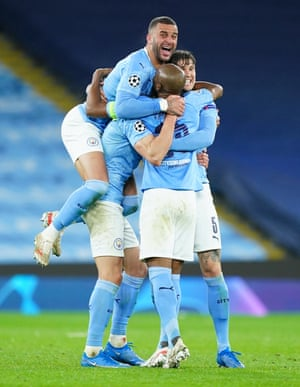 Kyle Walker of Manchester City celebrates victory with Fernandinho, Ruben Dias and John Stones.