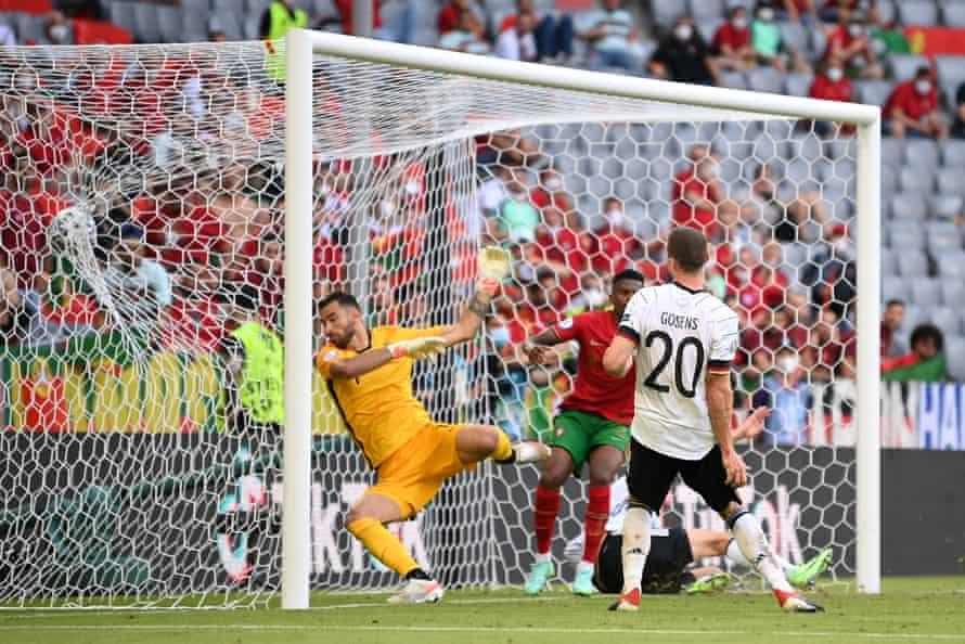 Robin Gosens heads home Germany's fourth