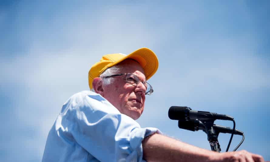 Bernie Sanders speaks in Palo Alto