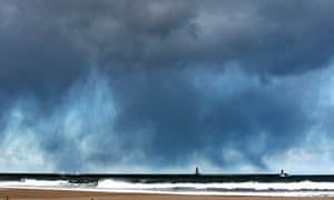 A snow storm moves over Tynemouth