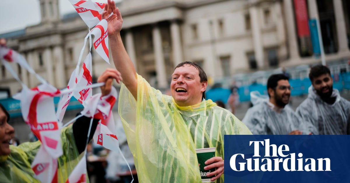 'This is a new England': rain fails to dampen optimism of fans in London