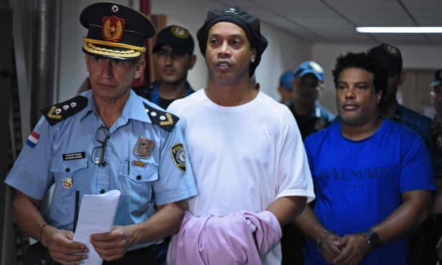Ronaldinho and his brother arriving at his trial in Asunción, Paraguay.