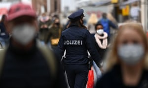 Police check on mask compliance in Munich