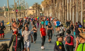 People outdoors on Sunday on Barcelona