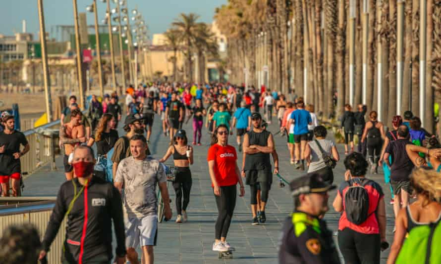 People outdoors on Sunday on Barcelona