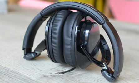 Philips SHB9850NC review