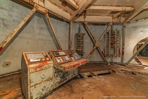 Old nuclear bunker for sale in Arizona desert includes original equipment