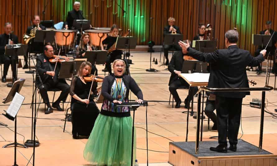 The BBC Symphony Orchestra conducted by Sakari Oramo, with soprano Anu Komsi at the Barbican.