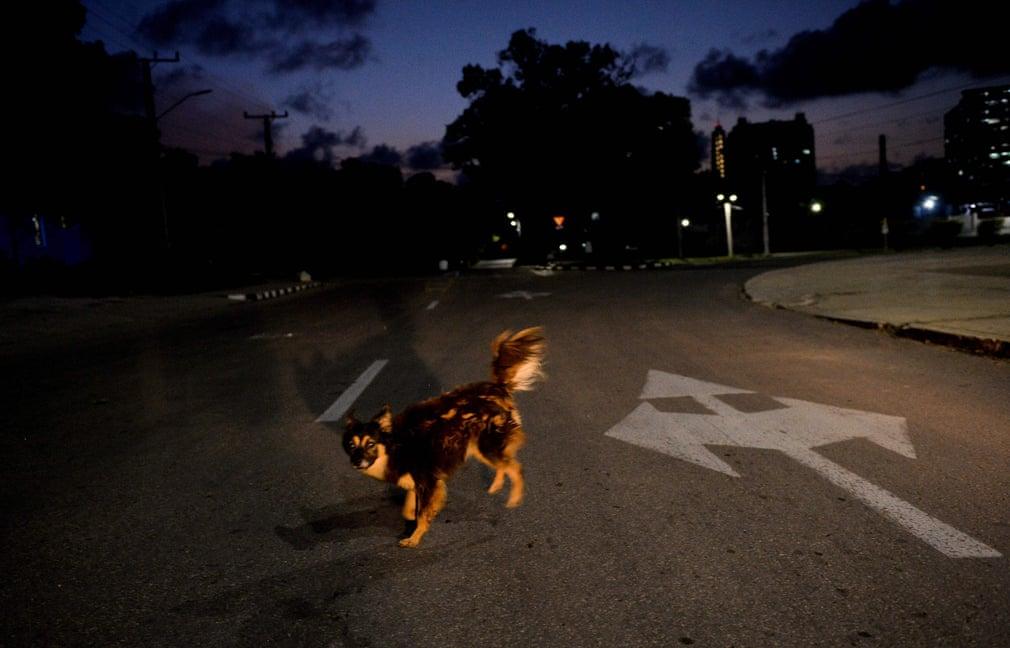 In Havanna wurden in den letzten 7 Tagen 302 COVID-19-Fälle bestätige, soviel wie noch wie in einer Woche seit Beginn der Pandemie. | Bildquelle: https://www.theguardian.com/world/gallery/2020/sep/03/coronavirus-curfew-in-havana-cuba-in-pictures © Yamil Lage/AFP/Getty Images | Bilder sind in der Regel urheberrechtlich geschützt