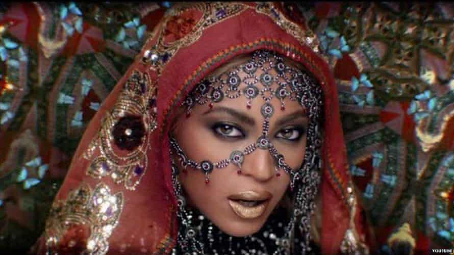 """Rani"" Beyoncé plays an alluring Bollywood star in the video."