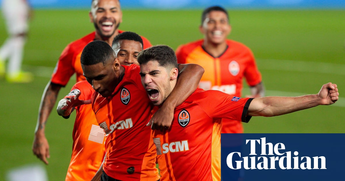 Real Madrid shocked by Shakhtar before El Clásico – Football Weekly Extra