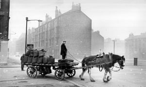 A coal delivery to the Gorbals tenements in Glasgow, circa 1960. Future heat for the city's homes could be piped from colliery tunnels below.