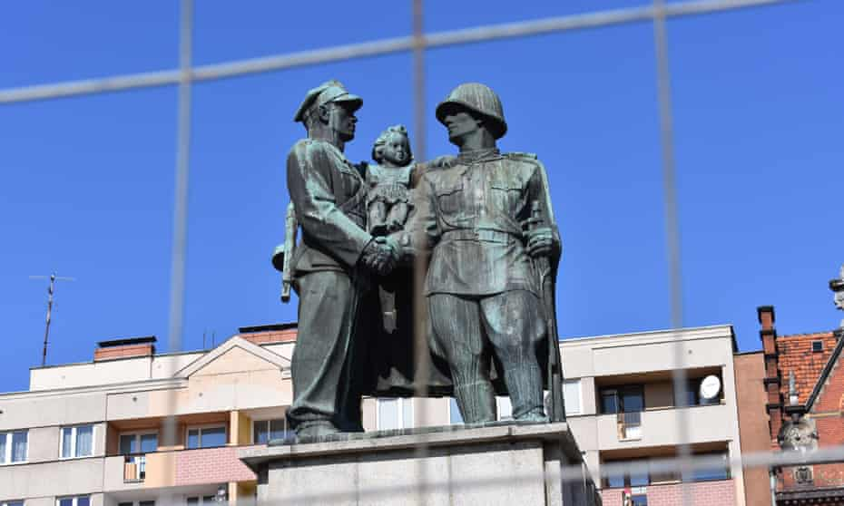 The 'monument to gratitude' to Soviet forces in Legnica, fenced off prior to its removal.