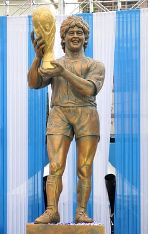 The statue of Maradona.