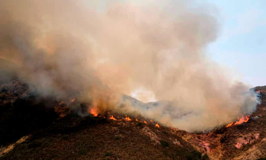 The Holy Fire grew to nearly 33 sq miles by Saturday morning. But firefighters also made progress, with containment rising from 10 to 29%.