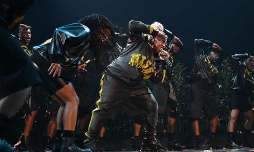 Missy Elliott performs a medley of hits before accepting the Michael Jackson Video Vanguard Award at the 2019 MTV VMAs. (Photo by Jamie McCarthy/VMN19/Getty Images for MTV)