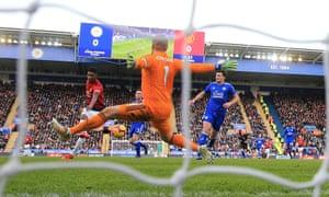 Marcus Rashford beats Leicester goalkeeper Kasper Schmeichel.