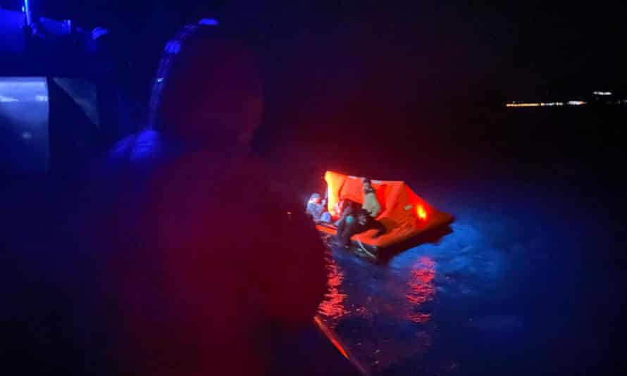 The rescue of 28 people in Turkish waters near Samos on 22 April