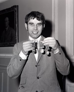 Ivan Mauger proudly displays his medals in London, 1971.
