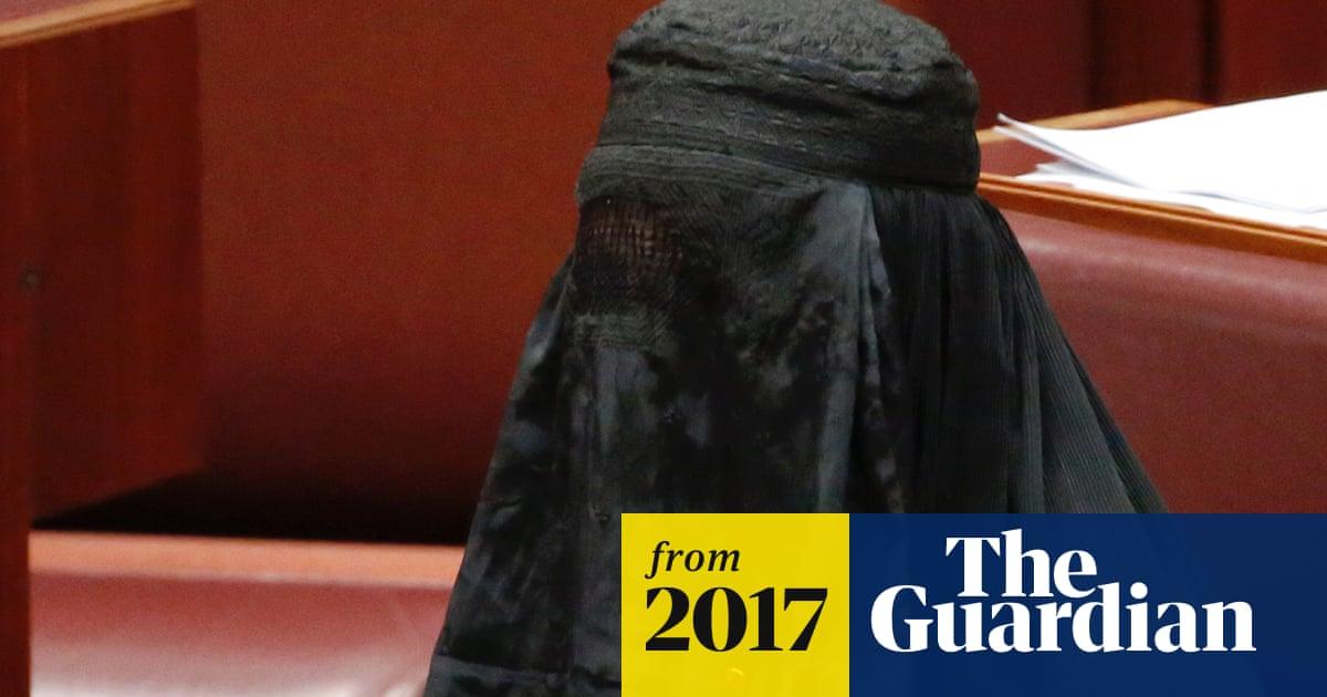 Pauline Hanson wears burqa in Australian Senate while calling for