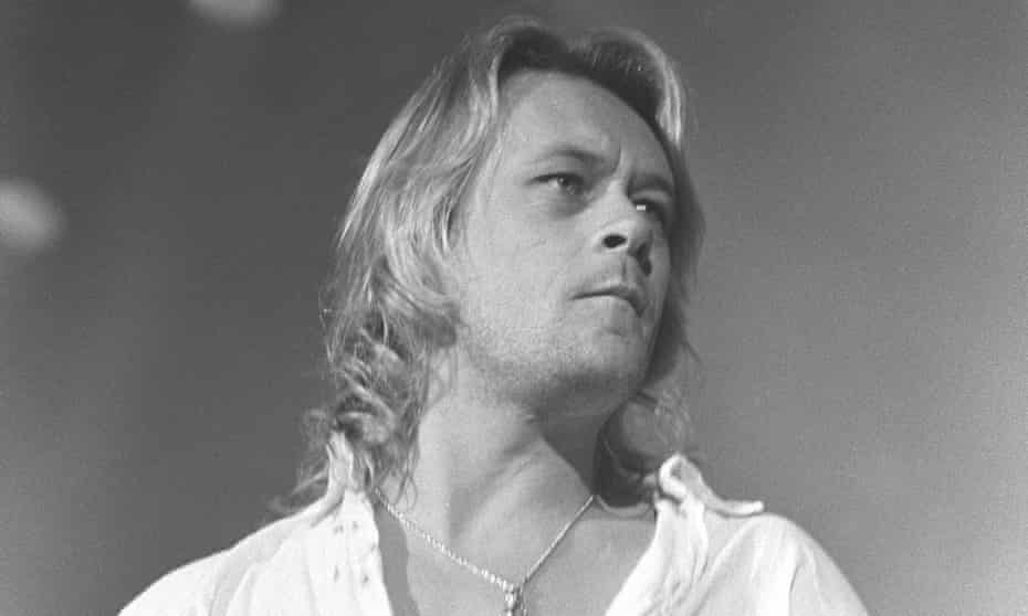 Brian Howe performing with Bad Company in 1991.