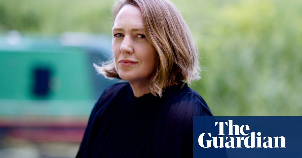 A Slow Fire Burning by Paula Hawkins audiobook review – Rosamund Pike turns up the heat