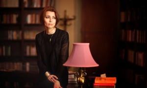 Elif Shafak - press publicity portrait credit Zeynel Abidin