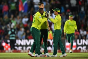 Phehlukwayo and de Kock celebrate dismissing Bairstow for 23.