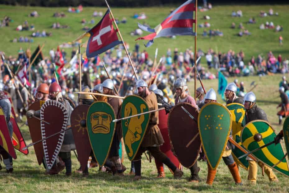 Normans advance up Senlac Ridge
