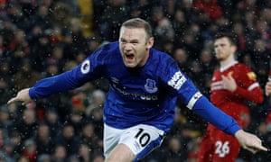 Wayne Rooney celebrates scoring Everton's equaliser