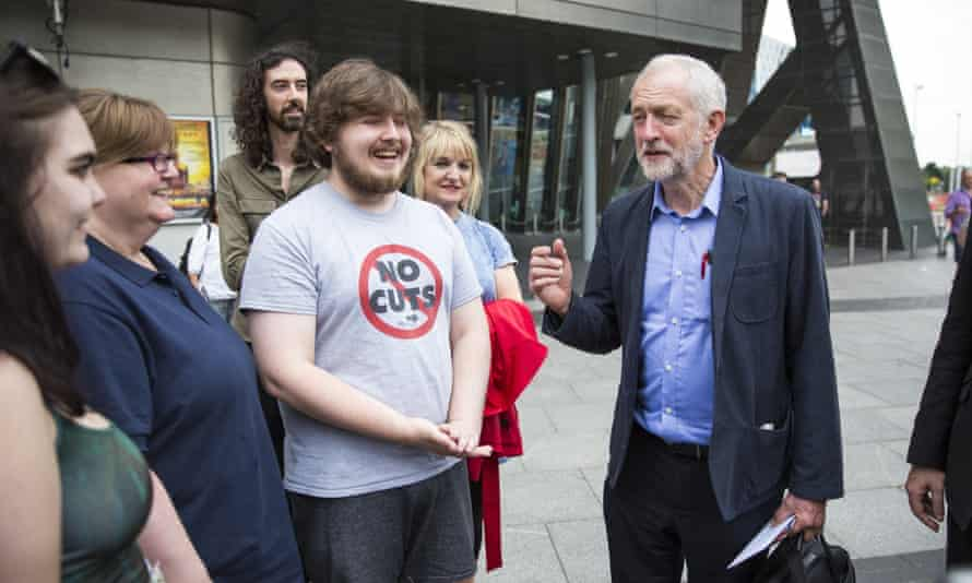 Jeremy Corbyn holds leadership rally in Manchester