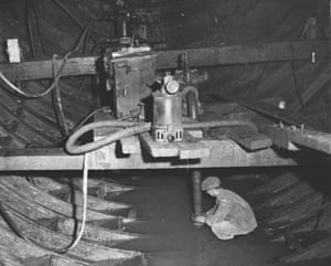 1950. There was a steady seepage through the plates of the Tyne tunnels and this was kept under control during construction by pumps at the lowest point