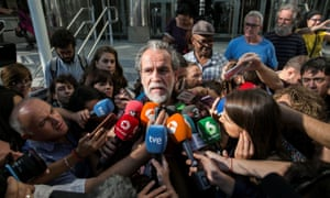 Willy Toledo speaking to journalists in Madrid