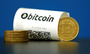 Gavin Andresen took over bitcoin development from Nakamoto.