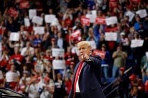 Lexington, US Donald Trump addresses a rally