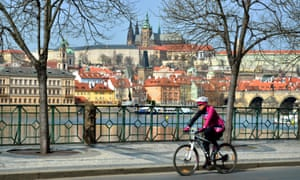 The move to ban bikes in the Prague 1 zone has been criticised as 'transportation populism' by local pro-cycling lobbyists.