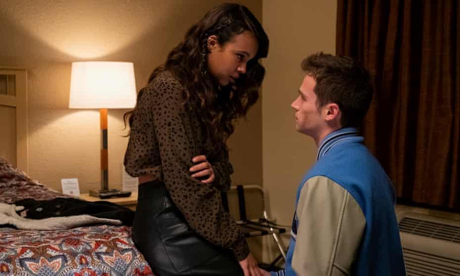 Alisha Boe and Brandon Flynn in 13 Reasons Why