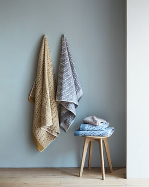 soft Egyptian cotton towels are a worthy investment. brighten Bathroom