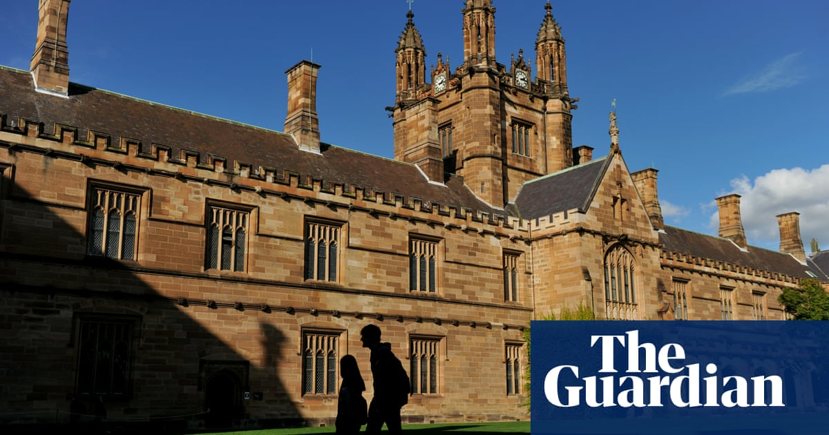 Universities ramping up 'hybrid' learning means double the work for same pay, staff say