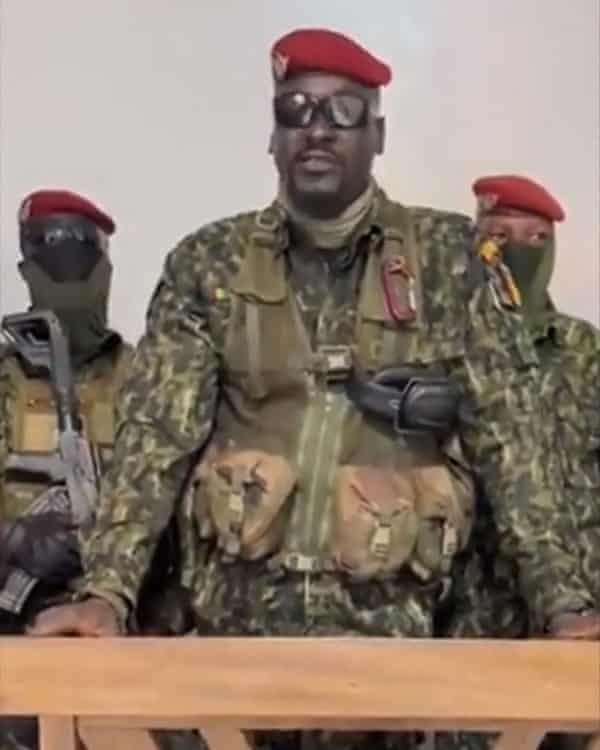A screengrab of video showing Col Mamadi Doumbouya delivering a speech