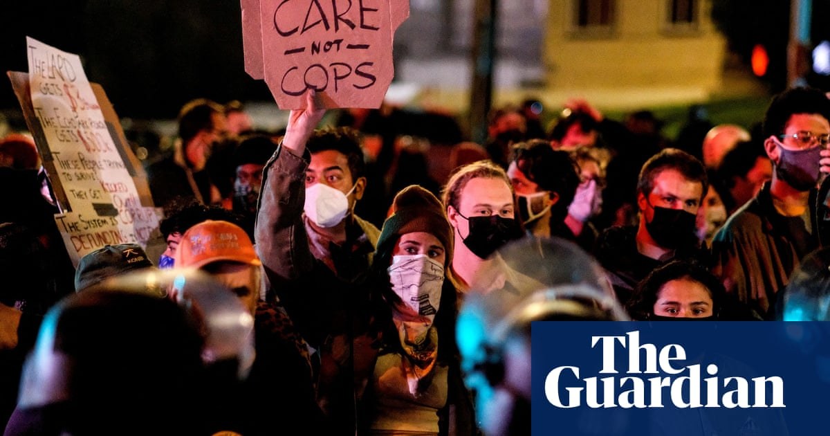 Los Angeles police clash with protesters in fight to evict major homeless encampment