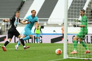 Kane shoots past Dubravka to score Tottenham's second goal.