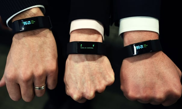 Thousands at risk of type 2 diabetes to be offered wearable tech