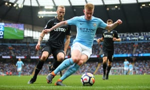 Kevin De Bruyne controls the ball at the Etihad Stadium on 22 April, when Manchester City set a Premier League record by registering 82.95% of possession against Swansea City.