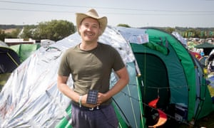 Just a reflector! Gareth Colvin with his cool tent solution.
