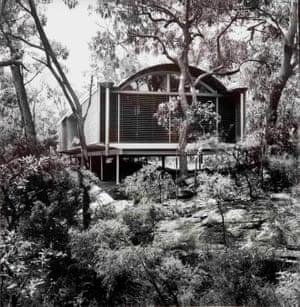 The bushfire resistant Ball-Eastaway house in Glenorie NSW