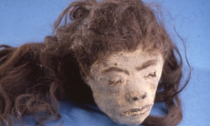A picture of a shrunken head from Calvin Wells's slide collection.