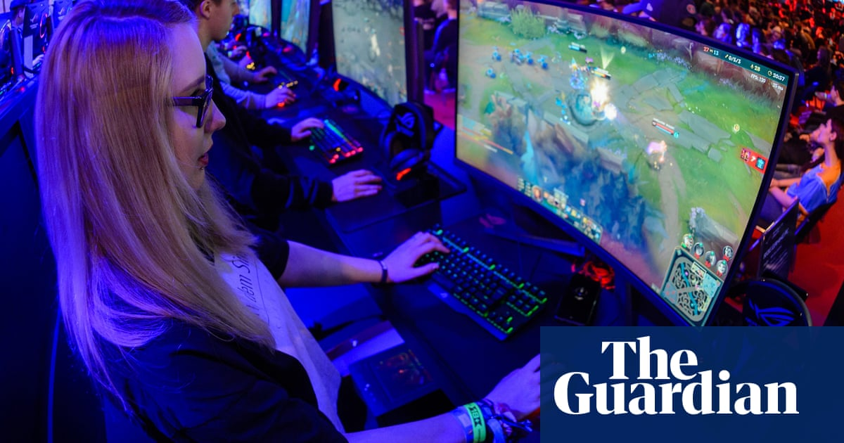What's the best gaming PC for under £1,000? | Technology | The Guardian