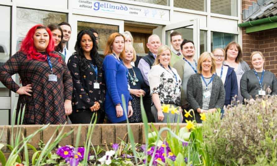 Gellinudd Recovery Centre Gellinudd, run by the Welsh charity Hafal, is the UK's first in-patient mental health centre to be designed by service users and their carers, who make up Hafal's membership